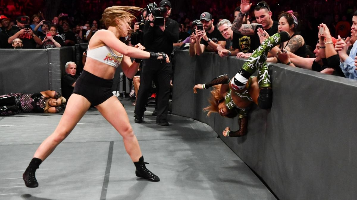 Ronda Rousey Uses Submission to Win First Match on Raw
