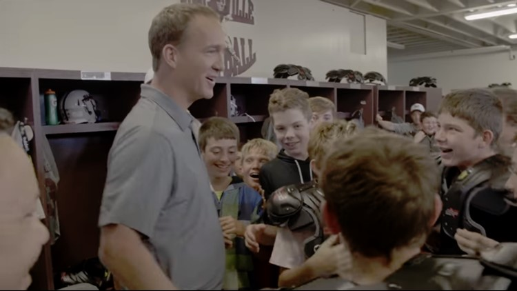 Peyton Manning Gives Out New Gear to Middle School Team