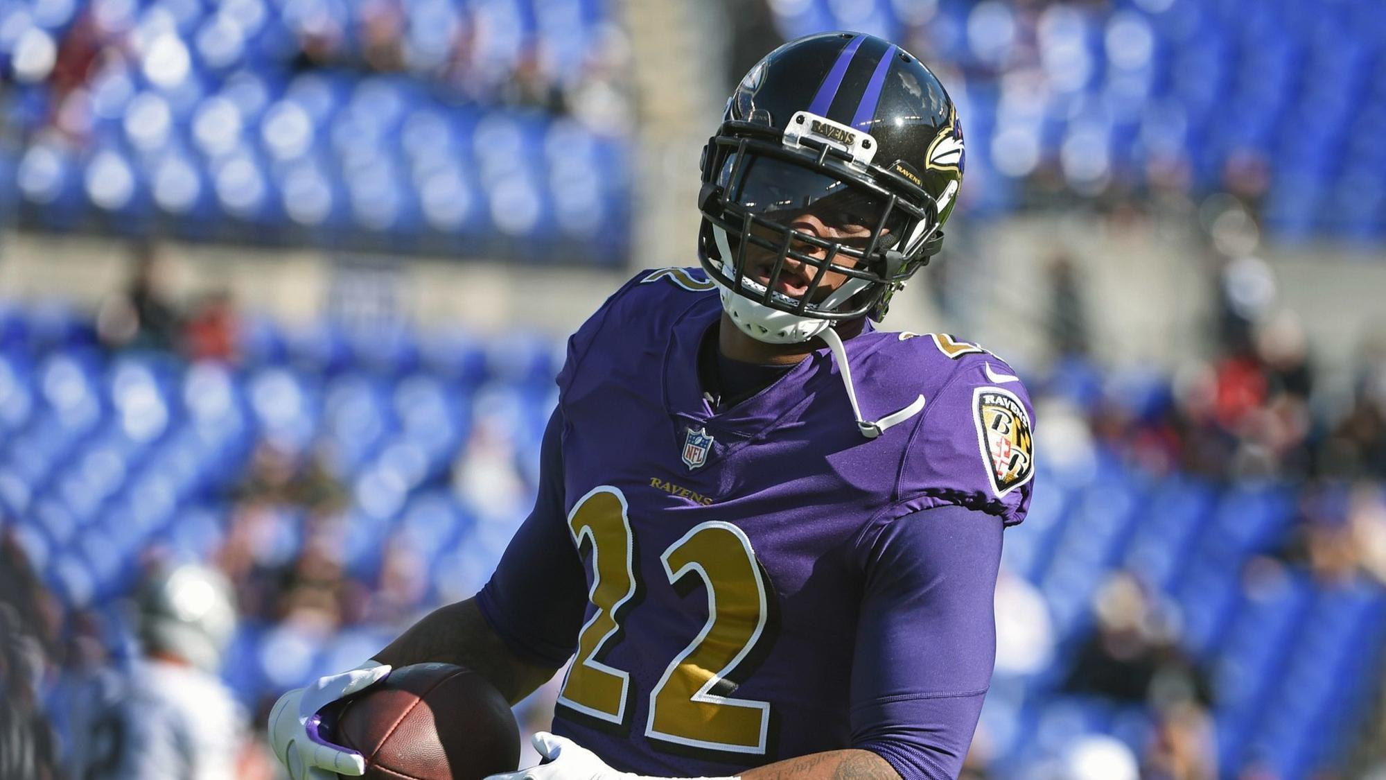 Ravens CB Jimmy Smith Tells Fans to Stop Booing Lamar Jackson